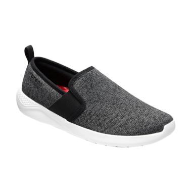 Jual Sepatu Crocs Pria Terbaru Original - Harga Promo  32affb33f1