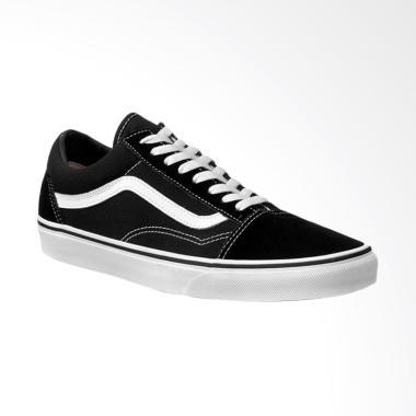 Vans Old Skool Japan Market Sneaker Pria - Black White 8b87f80ac