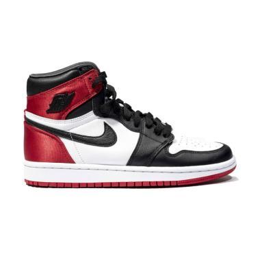 harga NIKE Air Jordan 1 Retro High Satin Black Toe Sepatu Sneakers Wanita Blibli.com
