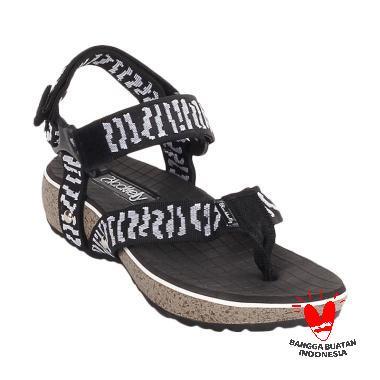 harga Blackkelly Tali Olsen LJJ 766 Sandal Wedges - Hitam Blibli.com