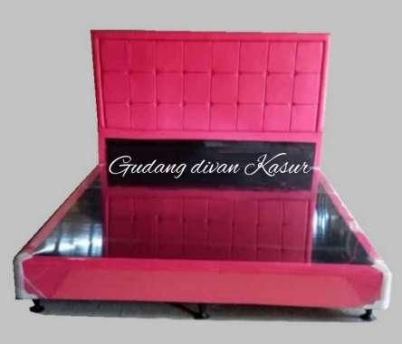 Divan Dipan/Difan Kasur MInimalis Sandaran Kotak 90 x 200 Merah