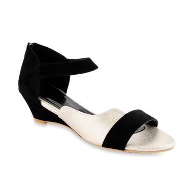 harga FARISH Emelyn Wedges Sepatu Wanita - Black Blibli.com