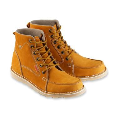 Golfer Tracking Shoes Sepatu Boots Pria  GF.7817  95608a472d