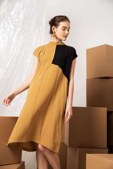 Berrybenka Jasmine Contrast Dress