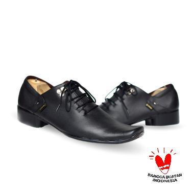 Daftar Harga Sepatu Murah Pria Hitam Cevany Terbaru Maret 2019 ... 4ba5b5db1e
