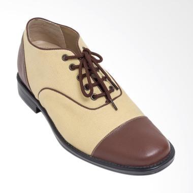 Keeve Sepatu Peninggi Badan Casual- Cream [KBP 129]