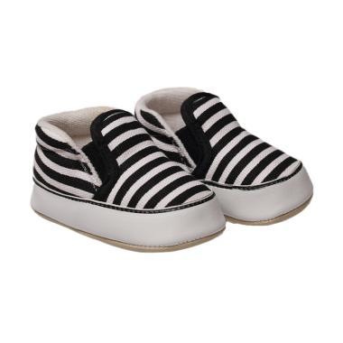 https://www.static-src.com/wcsstore/Indraprastha/images/catalog/medium//1115/happy-baby-shoes_happy-baby-shoes-prewalker---black---white_full02.jpg