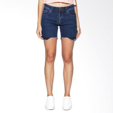 https://www.static-src.com/wcsstore/Indraprastha/images/catalog/medium//1223/2nd-red_2nd-red-cropped-denim-shorts-straight-261618-celana-wanita---blue_full06.jpg