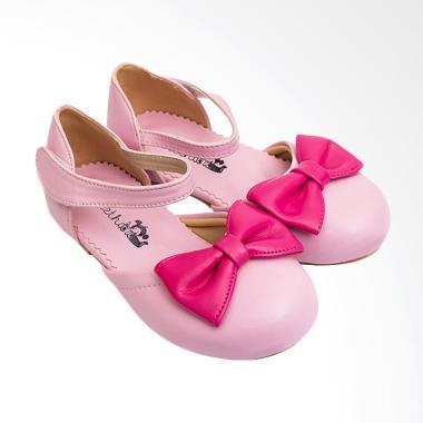 Jual Sepatu Anak Usia 9 Tahun - Harga Promo   Diskon  d85e541d57