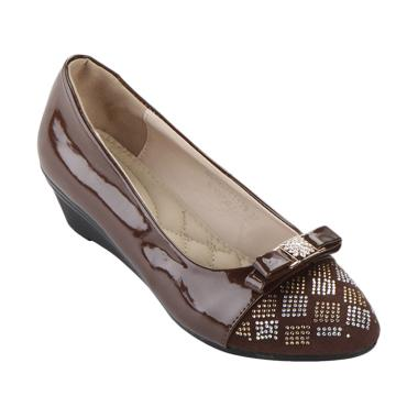 Daftar Harga Sepatu Wanita Terbaru Bulan Maret 2019  05e7f3e7b5