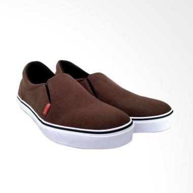 Sepatu Pria Size 43 Calvien Terbaru di Kategori Fashion Pria ... bd75652fe3