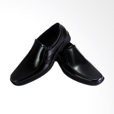 Daftar Harga Black Carlo Shoes Terbaru Maret 2019   Terupdate ... d061e8ae2c