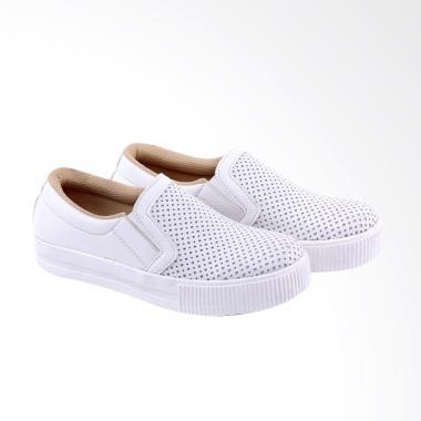 Garucci GBK 7229 Slip On Shoes Sepatu Wanita