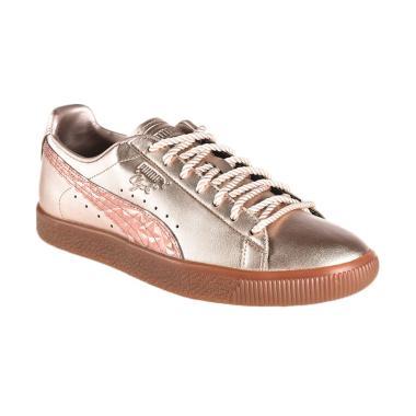 PUMA Clyde Tott Sepatu Olahraga Wanita  364812 01  6bd297fa27