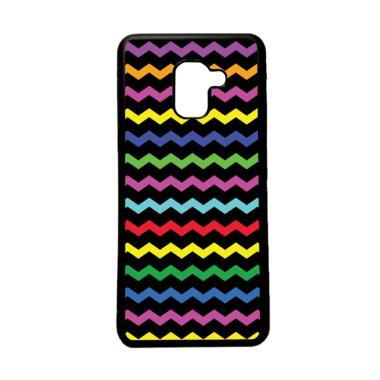 HEAVENCASE Motif Unik Batik Kayu Chevron 51 Softcase Casing for Samsung Galaxy A8 2018 - Hitam