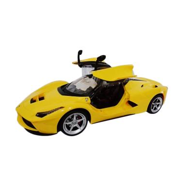M-Toys RC Ferrari F700 Open Door Remote Control - Yellow