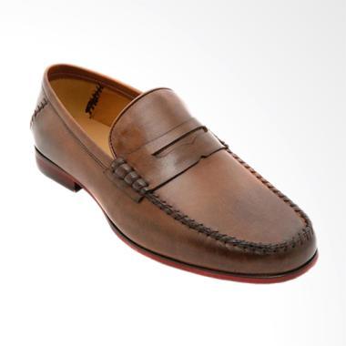 GatsuOne Arthur Slip On Shoes Sepatu Pria - Brown