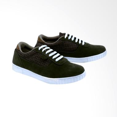 Garsel Sneakers Shoes Pria GNA 1033
