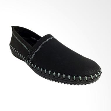 Pavillion Slip On Shoes Kasual Sepatu Pria - Black [800-3370]