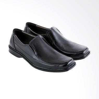 https://www.static-src.com/wcsstore/Indraprastha/images/catalog/medium//84/MTA-1714250/jk-collection_jk-collection-formal-shoes-sepatu-kasual-pria--jkc-jwy-338-_full02.jpg