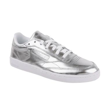 479020e011ec Jual Sepatu Reebok Terbaru Online - Harga Promo   Diskon