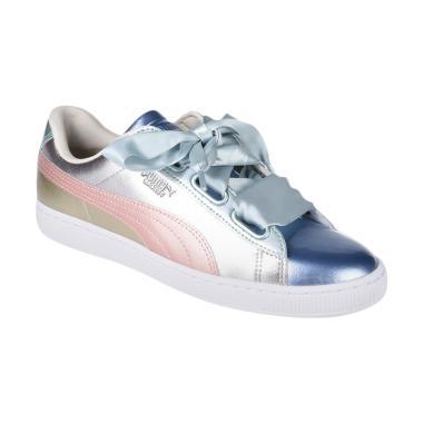 PUMA Women's Basket Heart Bauble Sepatu Olahraga Wanita [364809 01]
