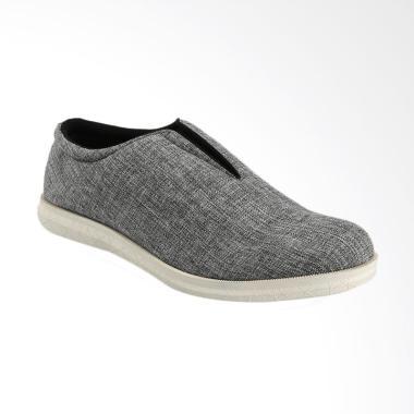 Yongki Komaladi Sepatu Pria - Grey [OL6-2311-01-L-17]