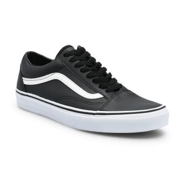 Vans UA Old Skool Classic Tumble Sneakers Pria - Black True White 71e45f9091