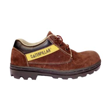 Caterpillar Safety Shoes Sepatu Hiking Pria - Coklat