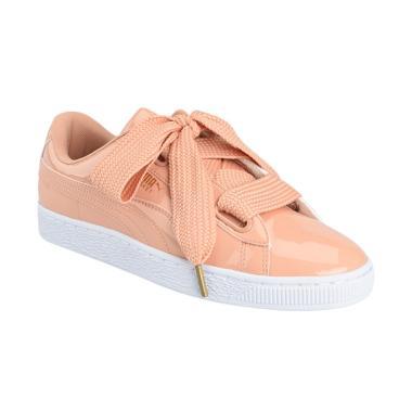 Puma Women Basket Heart Patent Shoes Sepatu Olahraga Wanita  363073 16  3db4be8a2e