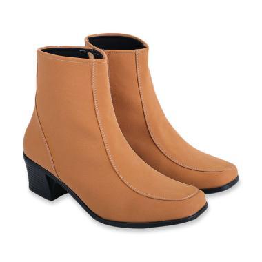 Jual Boots Wanita Terbaru 2019 - Tinggi   Nyaman di Kaki  dea807893c