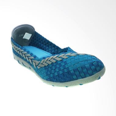 https://www.static-src.com/wcsstore/Indraprastha/images/catalog/medium//87/MTA-1419414/bernice_bernice-536-sepatu-rajut-wanita---blue_full04.jpg