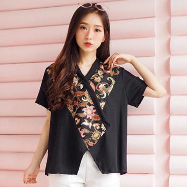 Evercloth Yolan Top Atasan Batik Blouse Wanita