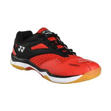 YONEX Men Power Cushion 02 Z Sepatu Badminton - Red [BSHSHBCFA2ZZ]