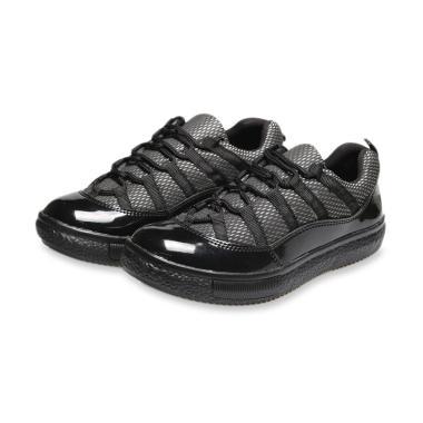 Koleksi Sepatu   Sandal Pria Branded Terbaru 2019 - Harga Murah  100 ... 9f671abcf7