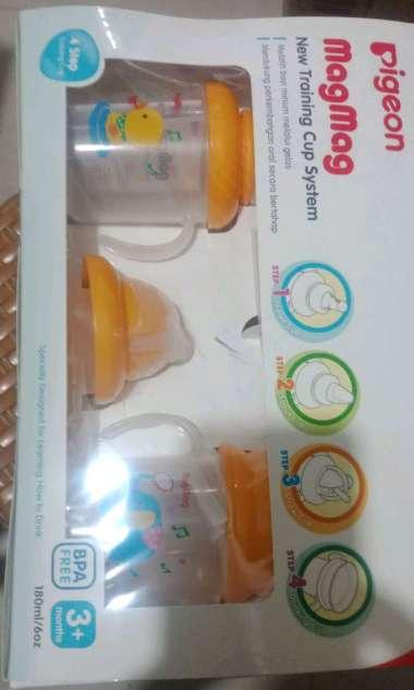 harga TERMURAH!! PIGEON Mag-Mag Training Cup System 3+ Months Step 1-4 | Tempat Minum Dot Anak Bayi Balita [ORIGINAL PREMIUM QUALITY] BESTSELLER!! - 16164 Kuning Blibli.com
