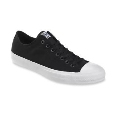 Converse Sneackers Chuck Taylor 2 All Star Ox Sepatu Pria - Black White  harga ... 5a0df6ef11