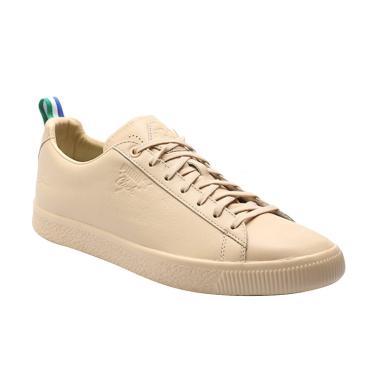 27b8a06637e PUMA Clyde Big Sean Shoes Sepatu Olahraga Unisex - Natural Vachetta  366253  01