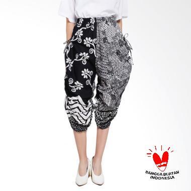GESYAL Bali pants Serut Batik Tulis ...  kulot pendek hitam putih