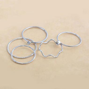 https://www.static-src.com/wcsstore/Indraprastha/images/catalog/medium//91/MTA-3377601/bluelans_bluelans-5pcs-set-band-ring-wave-stack-above-knuckle-midi-rings-lady-jewelry-charm-silver_full04.jpg