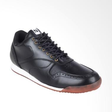 https://www.static-src.com/wcsstore/Indraprastha/images/catalog/medium//92/MTA-1499231/navara_navara-foster-sepatu-sneakers-pria---black_full05.jpg