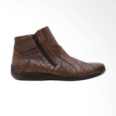 https://www.static-src.com/wcsstore/Indraprastha/images/catalog/medium//92/MTA-2091664/gino-mariani_gino-mariani-elario-1-exclusive-cow-leather-casual-men-s-shoes-dark-brown_full06.jpg