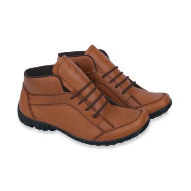 Koleksi Sepatu   Sandal Pria Branded Terbaru 2019 - Harga Murah  100% Asli   5aa3b0b1c9
