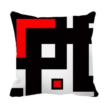 https://www.static-src.com/wcsstore/Indraprastha/images/catalog/medium//92/MTA-3631087/bluelans_bluelans-1--creative-geometric-pattern-pillow-case-decorative-cushion-cover-for-sofa-couch_full03.jpg