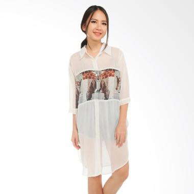 https://www.static-src.com/wcsstore/Indraprastha/images/catalog/medium//927/gatsuone_gatsuone-tabitha-blouse---off-white_full05.jpg
