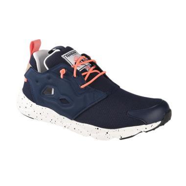 Sepatu Reebok Terbaru di Kategori Olahraga Aktivitas Luar Ruang ... f52dae204d