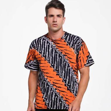 Batik Distro Motif Batik T-Shirt Pria