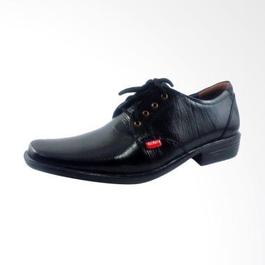 Kickers Sepatu Formal Pantofel Pria