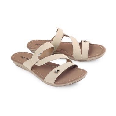 https://www.static-src.com/wcsstore/Indraprastha/images/catalog/medium//94/MTA-3107757/blackkelly_blackkelly-lnw-902-sandal-flat-wanita_full05.jpg