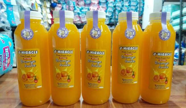 The Miracle Orange Juice Minuman Sari Jeruk Asli [1000 ml]
